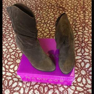 Rampage Trixen Suede Round Toe Cowboy Boots